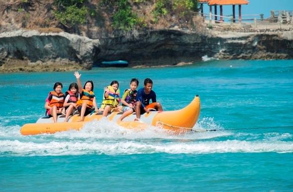 Banana Boat Jahawi di Sekitar Pulau Sangiang