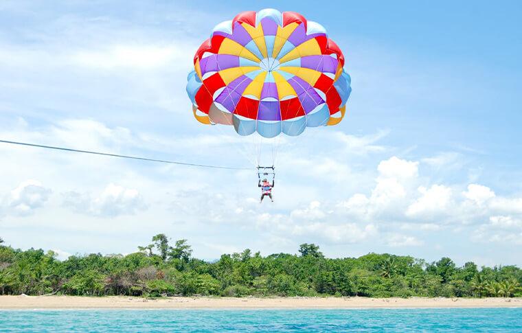 Parasailing Jahawi di sekitar Kawasan Pulau Sangiang
