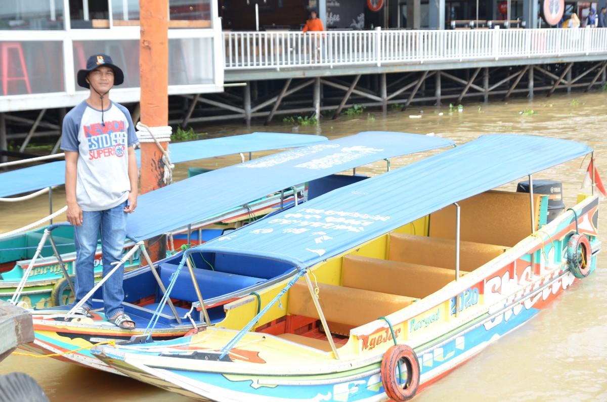 Doa Keluarga Boat Trip Benteng Kuto Besak to Pulau Kemaro
